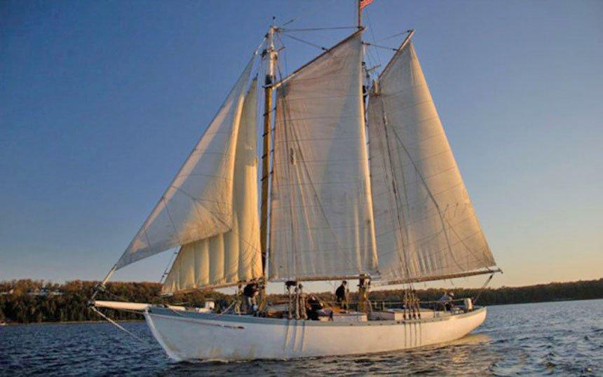 Sail-Charlie-tours