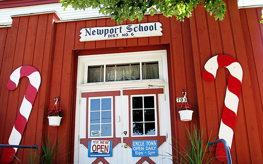 Uncle Tomu0027s Newport School Candy & Uncle Tomu0027s Newport School Candy u2013 Door County Today pezcame.com